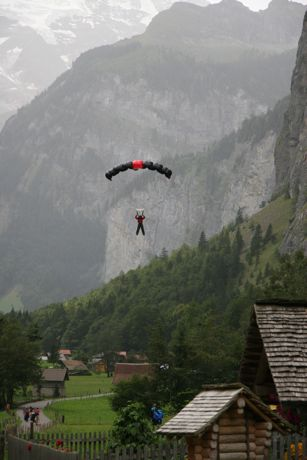 Base jumper in Lauterbrunnen Valley (Photo:Tim Jones)