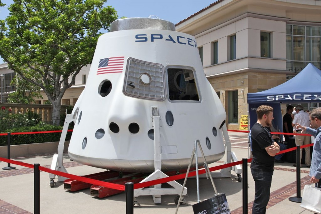 SPACEX Dragon Capsule at Planetfest Pasadena (Photo: Tim Jones)
