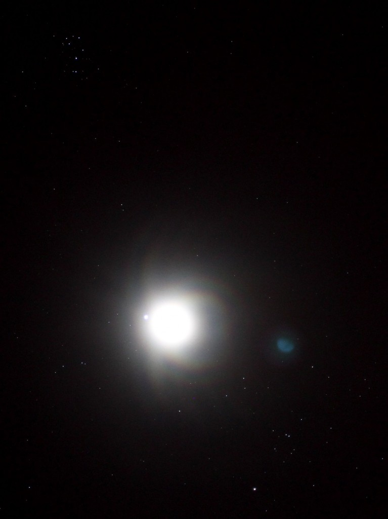 Moon, Jupiter, Hyades & Pleiades clusters 18:49 (PST), 21.01.2013, Los Angeles. ©Tim Jones