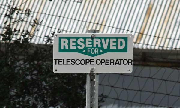Parking sign, Mount Wilson, ©Tim Jones